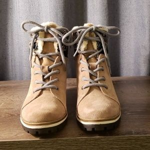 Anne Klein Women's Langstyn Suede Snow Boot